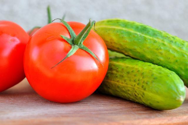 ogorke-i-pomidor