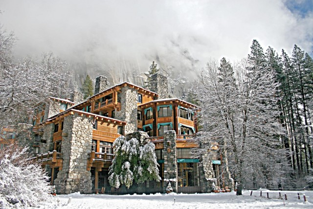 The-Ahwahnee-in-winter